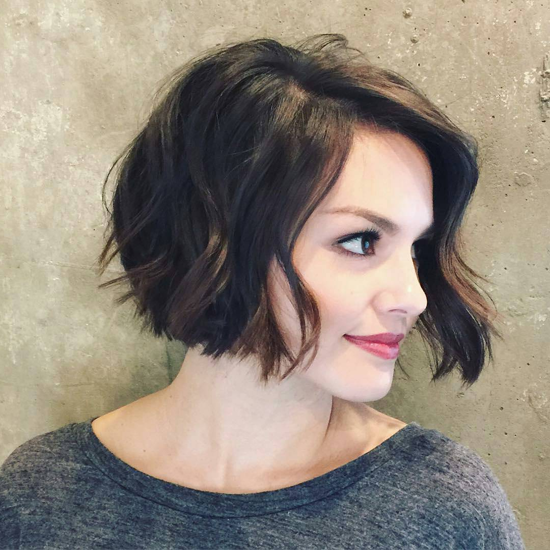 Inverted Bob Haircut For Wavy Hair 2017 | Styles Weekly Throughout Jaw Length Inverted Curly Brunette Bob Hairstyles (View 18 of 20)