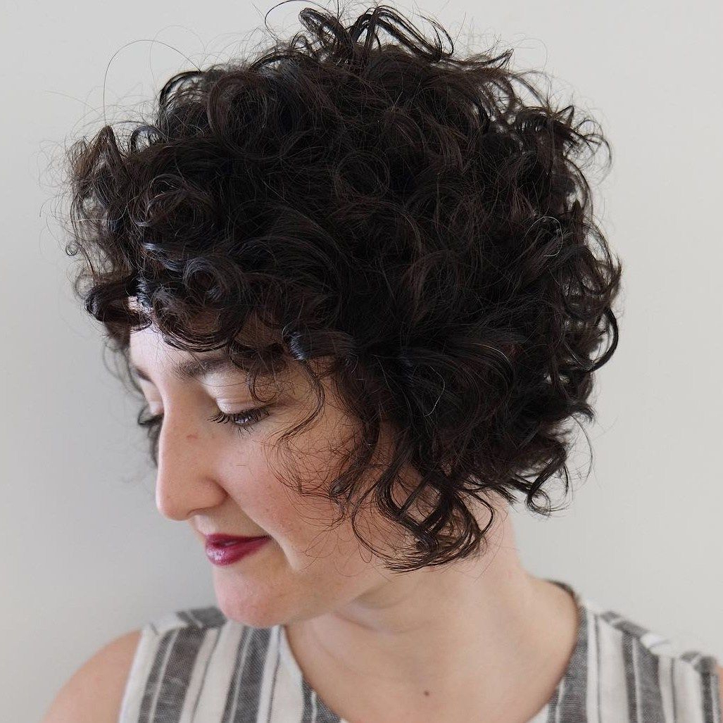 Jaw Length Inverted Curly Brunette Bob | Yur A Wizard Hairy | Pinterest In Jaw Length Inverted Curly Brunette Bob Hairstyles (View 1 of 20)