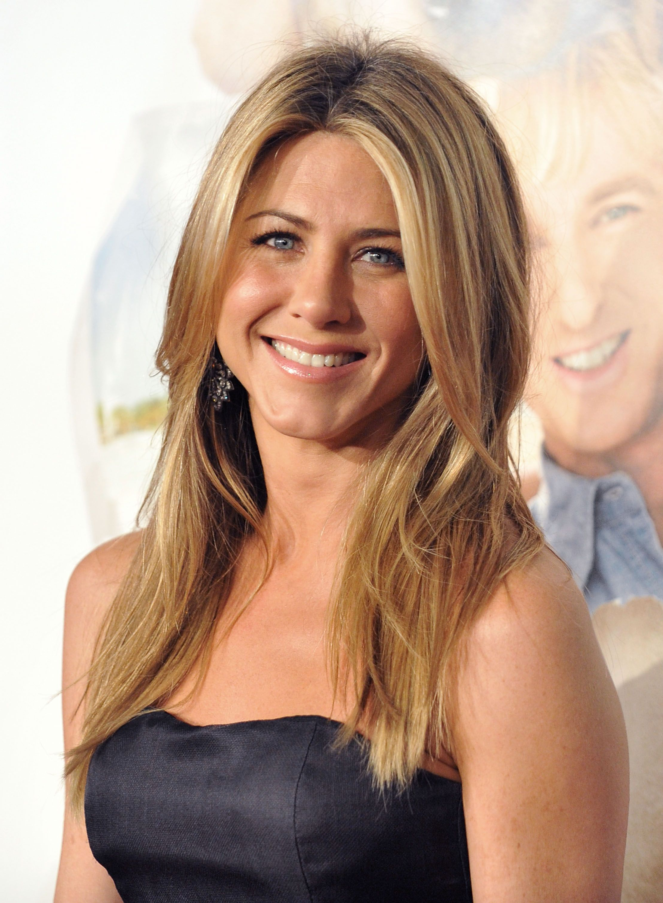 Jennifer Aniston's Best Hairstyles – Jennifer Aniston's Hair Through Throughout Wavy Bronde Bob Shag Haircuts (View 19 of 20)