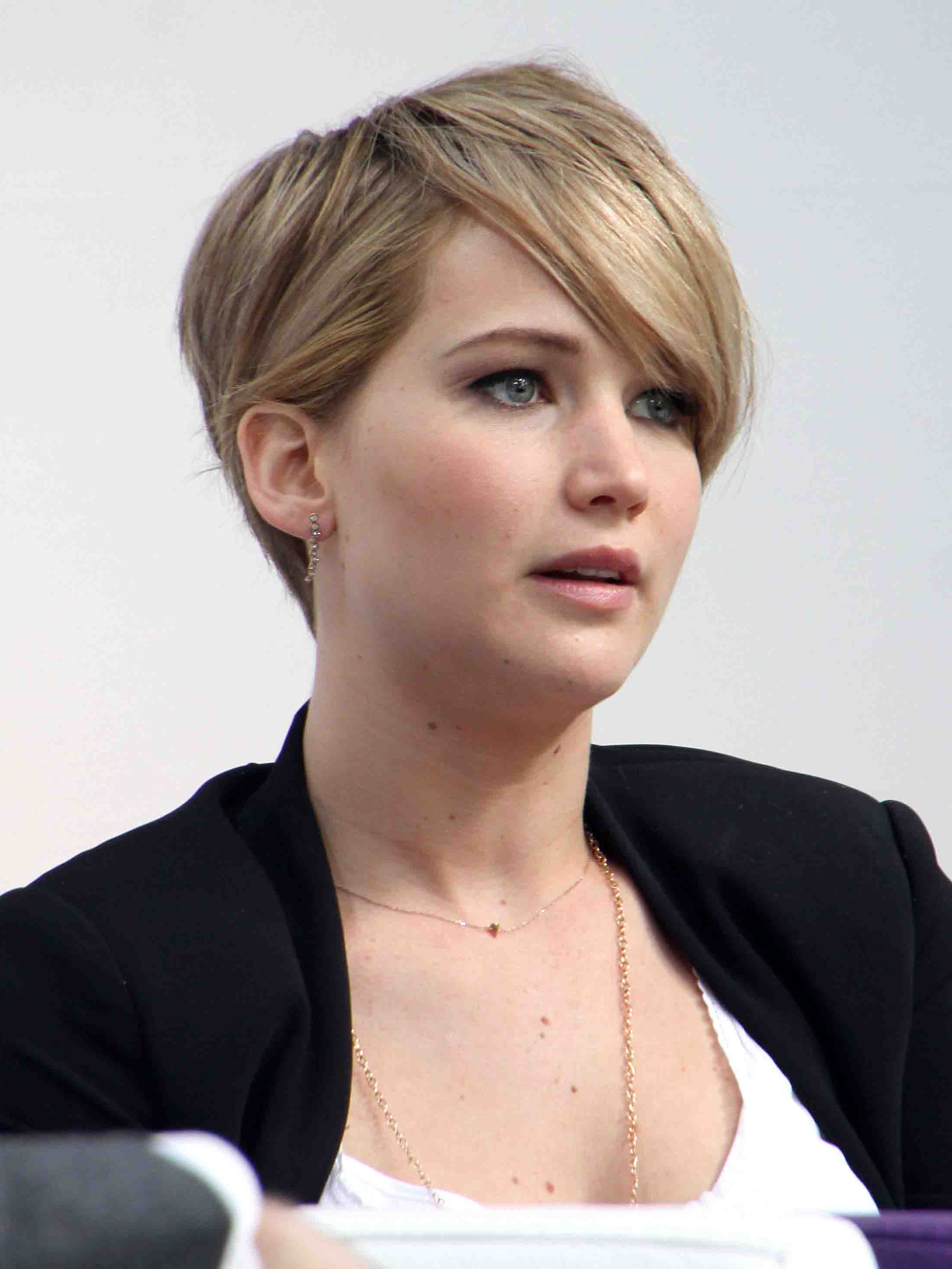 Jennifer Lawrence Hairstyles That Prove She Is The Ultimate Fashion Diva Intended For Short Hairstyles With Flicks (View 11 of 20)