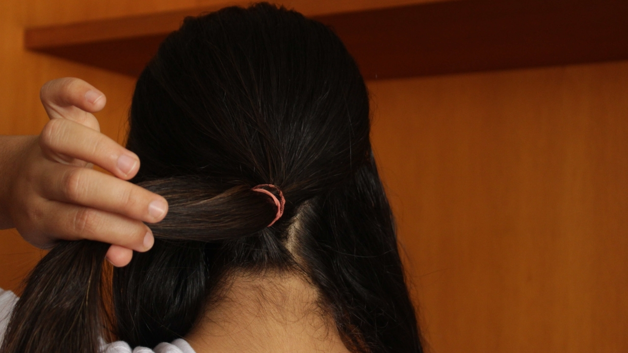 Newest Criss Cross Side Ponytails In 3 Ways To Do A Crisscross Ponytail – Wikihow (View 17 of 20)