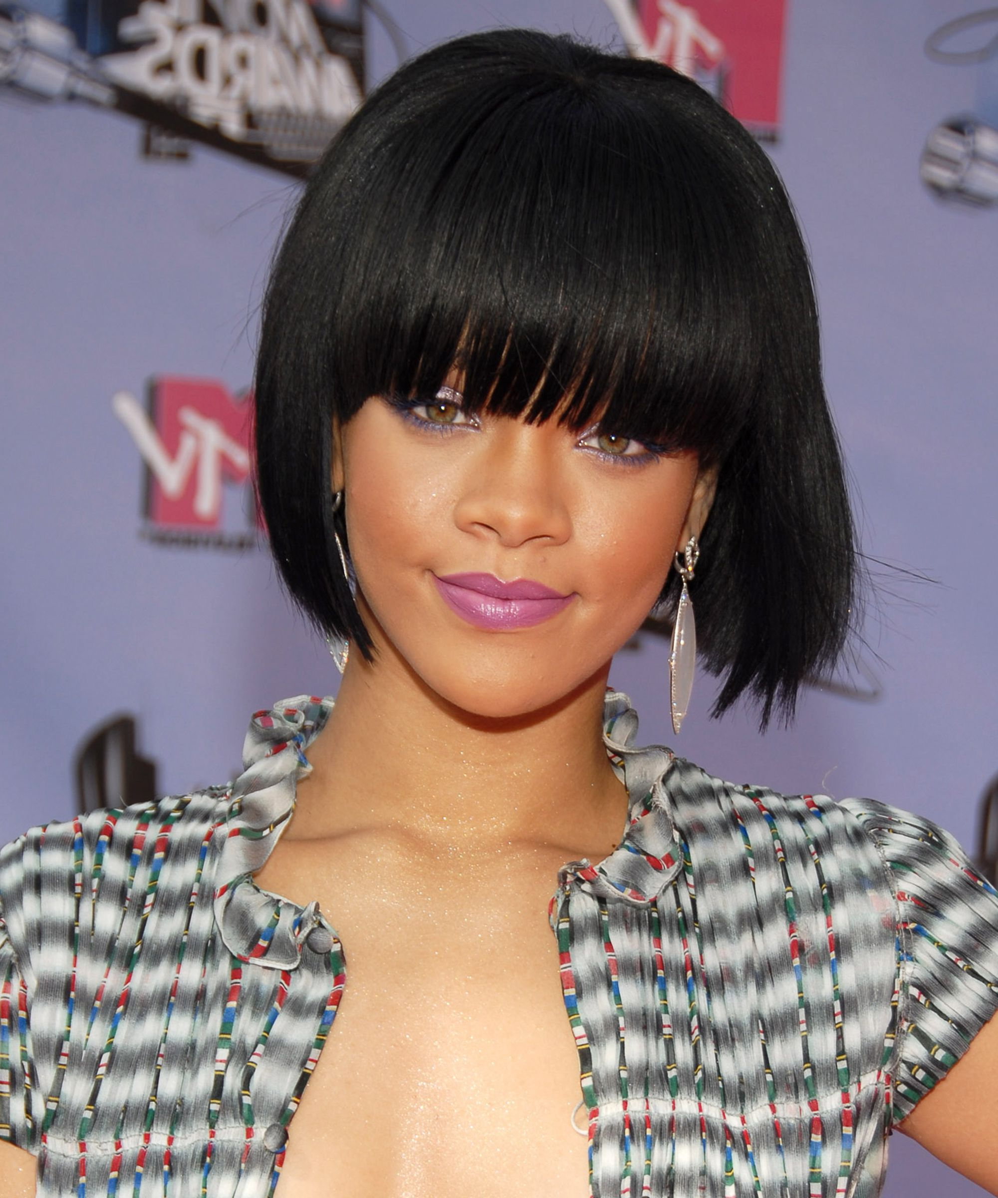Rihanna's Best Long And Short Hairstyles Over The Years Throughout Disheveled Burgundy Brown Bob Hairstyles (View 17 of 20)