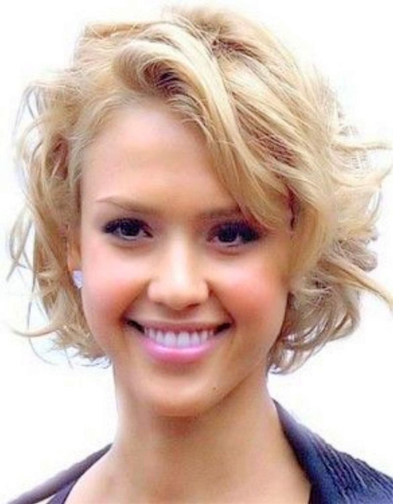 Featured Photo of Simple Short Hairstyles With Scrunched Curls