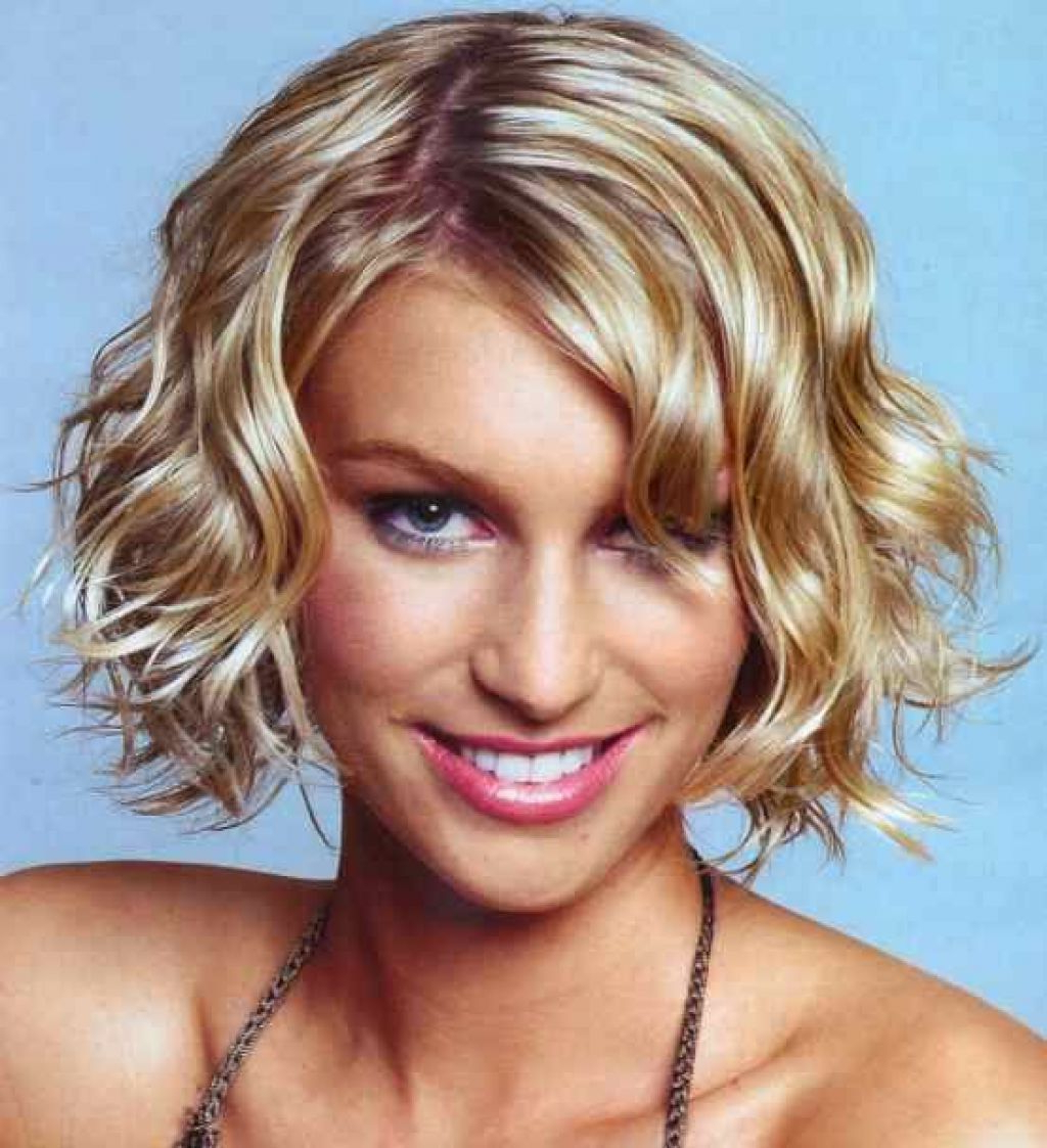 Short Hairstyles For Thick Wavy Hair   Short Curly Bob   Pinterest Regarding Simple Short Hairstyles With Scrunched Curls (View 20 of 20)