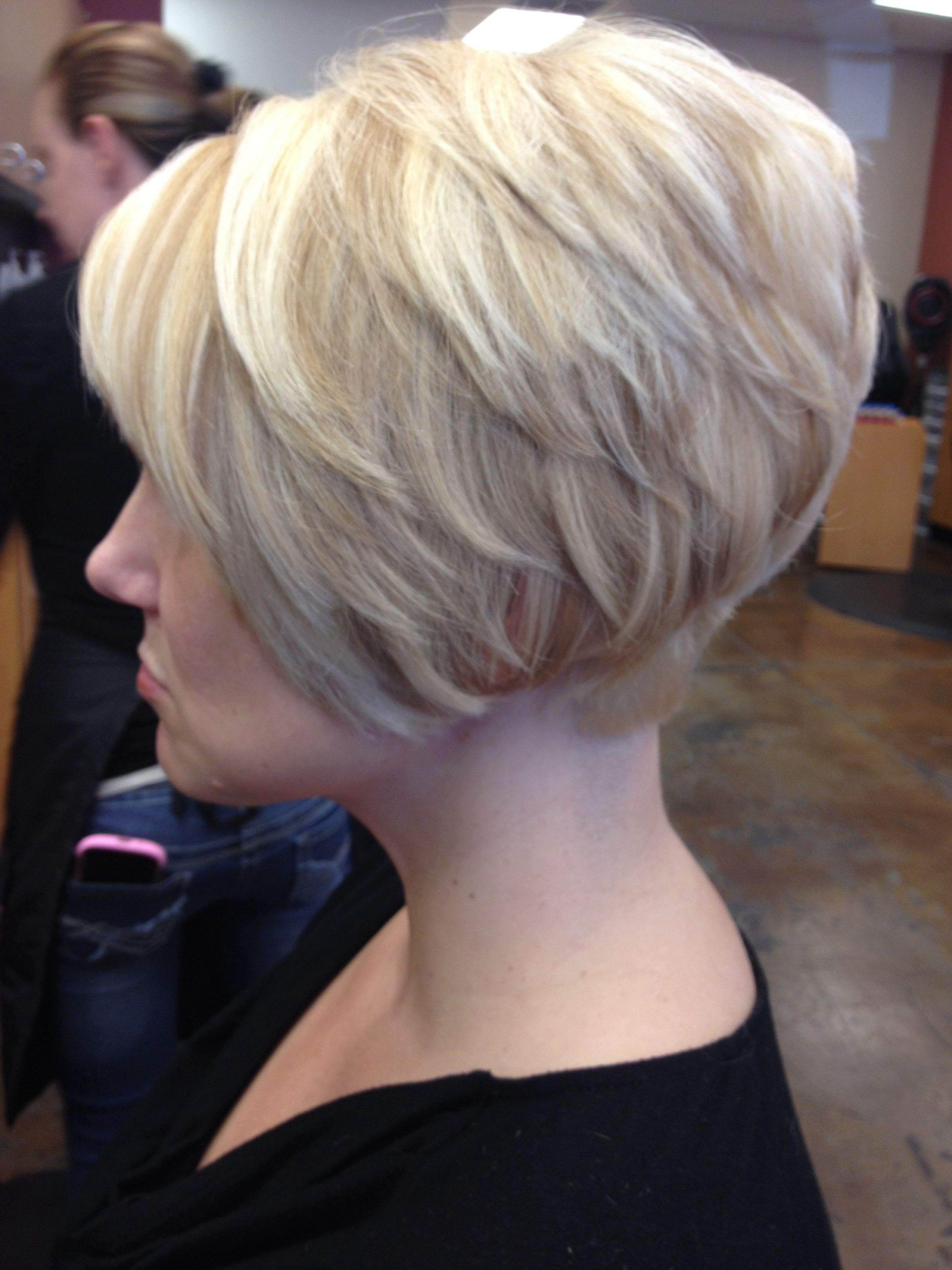 Short Tapered Bob, Platinum Base With Golden Blonde Lowlights And With Pixie Bob Hairstyles With Golden Blonde Feathers (View 16 of 20)