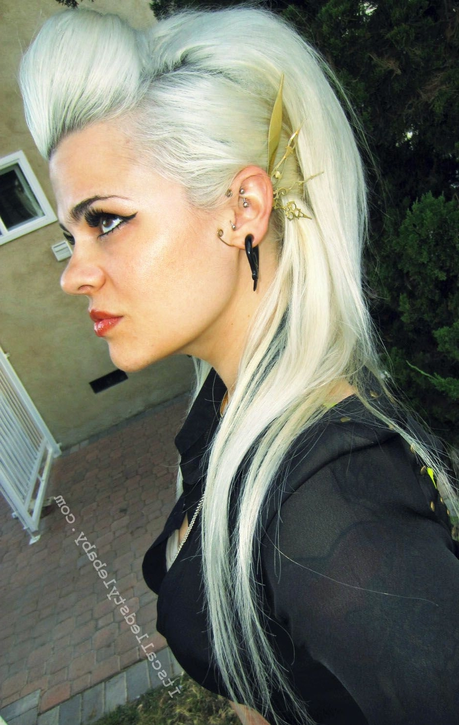 Steampunk High Fashion Teased White Blonde Beautiful Hair! Rock That In Famous Messy Blonde Ponytails With Faux Pompadour (View 18 of 20)
