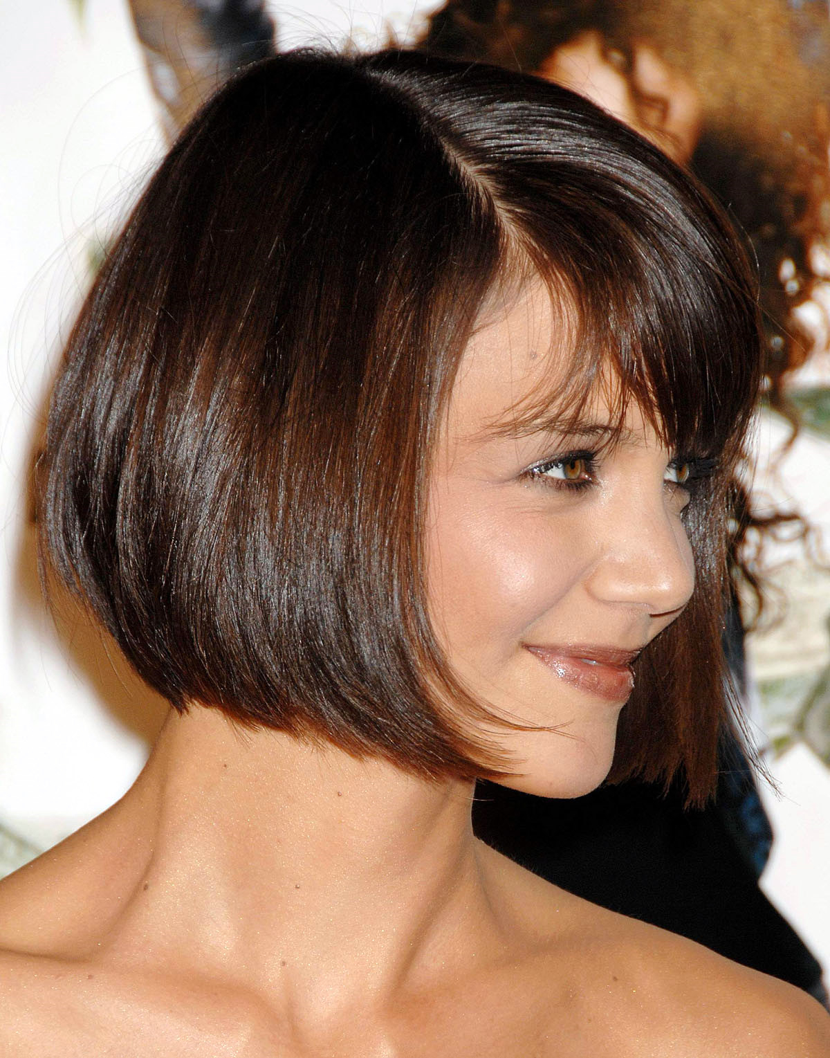 The A Shaped Bob Haircut Touching The Chin And The Slanting Bangs For Straight Textured Angled Bronde Bob Hairstyles (View 14 of 20)