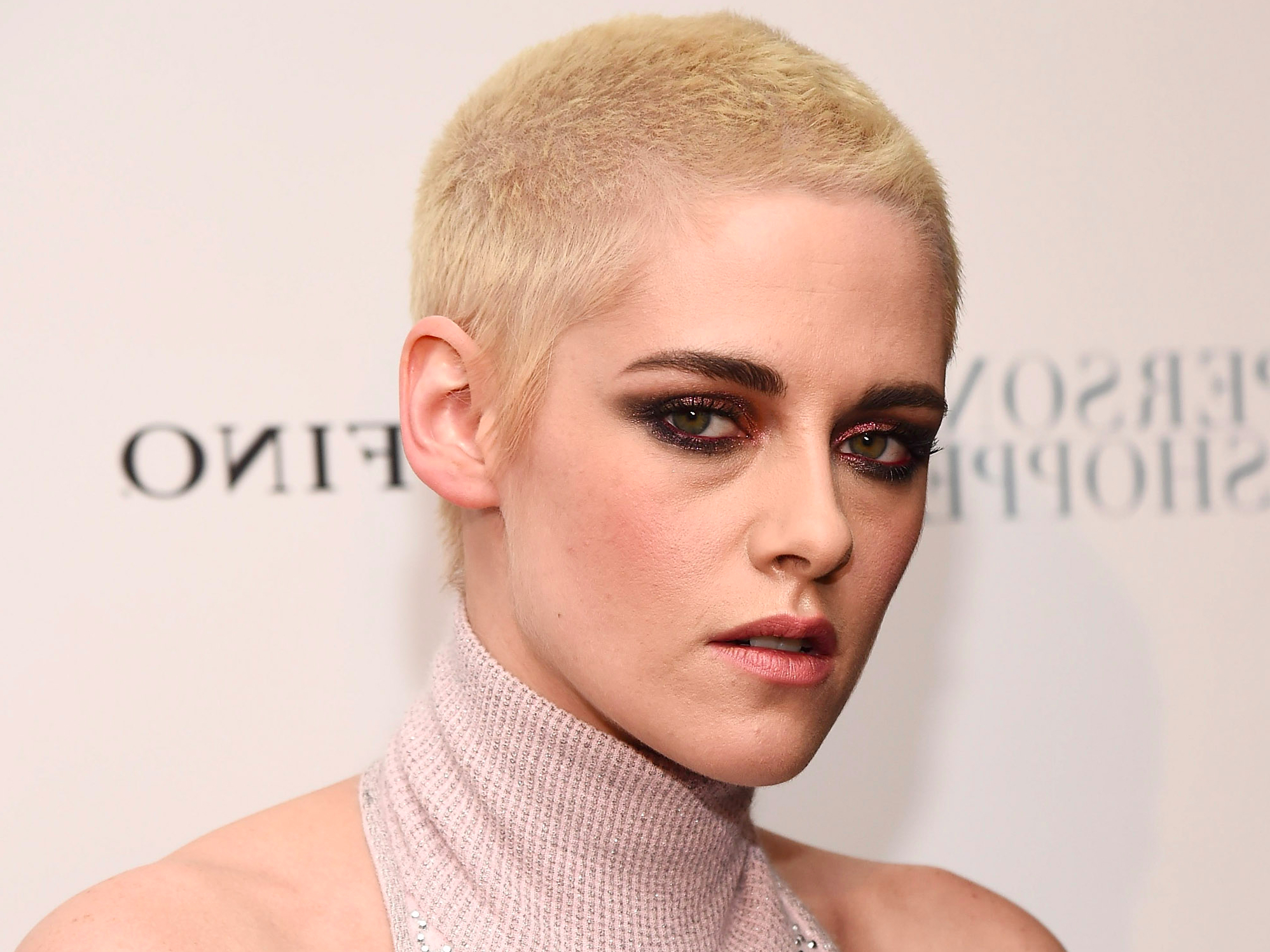 The Reason Why Kristen Stewart Shaved And Dyed Her Hair – Business Regarding Short Hairstyles With Flicks (View 19 of 20)