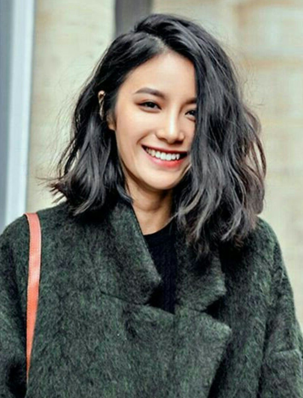Wavy Shoulder Length With Blunt Ends | Hair In 2018 | Pinterest Regarding Lip Length Tousled Brunette Bob Hairstyles (View 3 of 20)