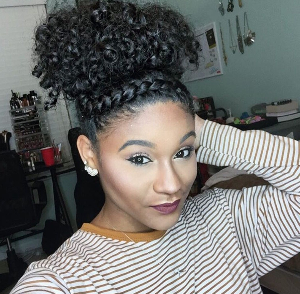 Featured Photo of Black Curly Ponytails With Headband Braid