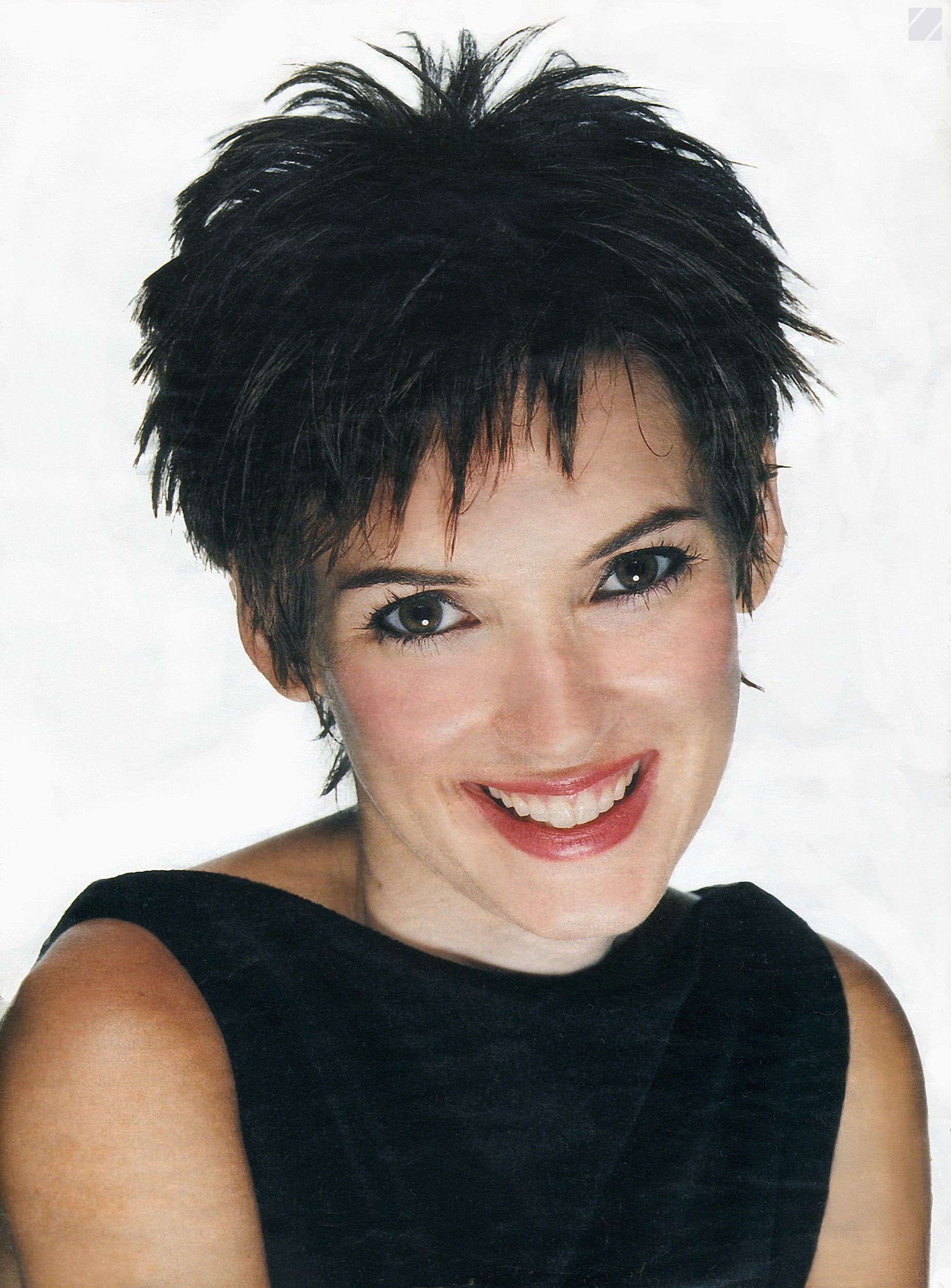 Winona Ryder | Coupe De Cheveux | Pinterest | Winona Ryder, Hair Pertaining To Pixie Bob Hairstyles With Golden Blonde Feathers (View 20 of 20)