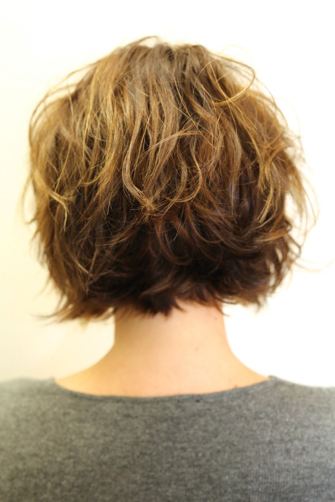 Wish I Could Get My Hair To Loosely Wave Like Thisand Stay Inside Loosely Waved Messy Brunette Bob Hairstyles (View 20 of 20)