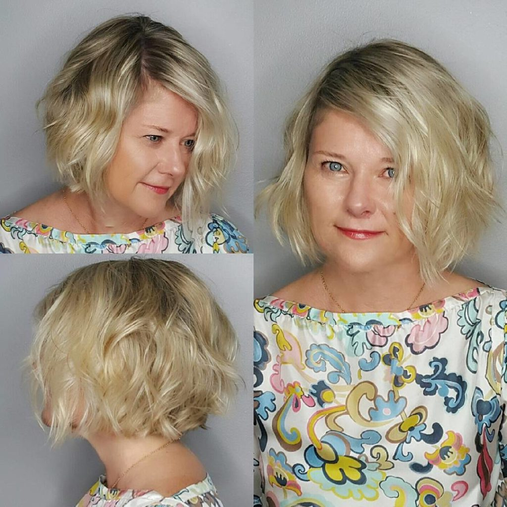 Women's Chin Length Bob On Blonde Hair With Soft Waves Intended For Jaw Length Wavy Blonde Bob Hairstyles (View 9 of 20)