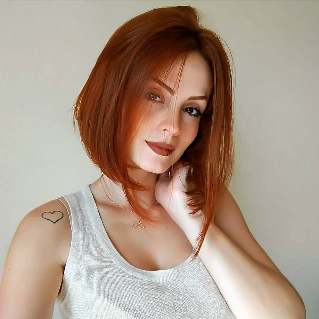 10 Classic Shoulder Length Haircut Ideas – Red Alert! Women Pertaining To Soft Auburn Look Hairstyles (View 7 of 20)