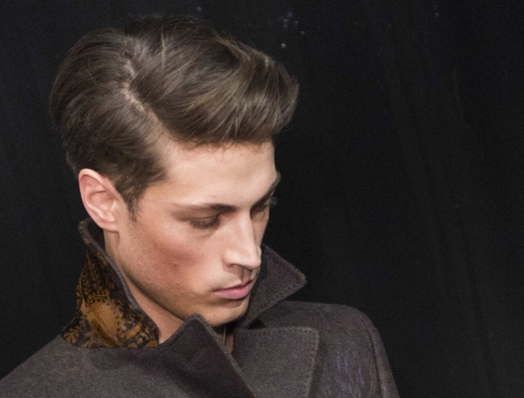 16 Stylish Men's Haircuts For Round Faces To Take To Your Barber (2018) Inside Oluminous Classic Haircuts (View 2 of 20)