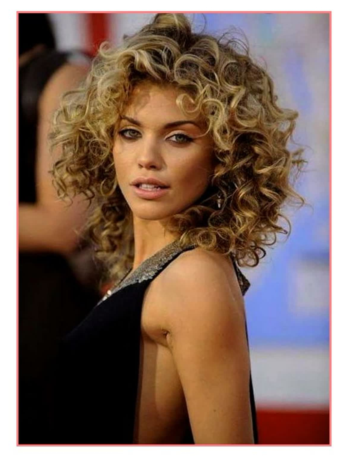 2018 Curly Short Haircuts – Short And Cuts Hairstyles With Feminine Shorter Hairstyles For Curly Hair (View 15 of 20)