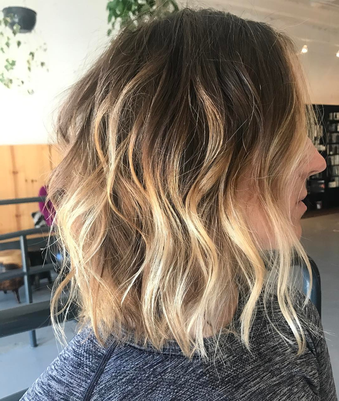 30 Chic Everyday Hairstyles For Shoulder Length Hair 2019 Pertaining To One Length Balayage Bob Hairstyles With Bangs (View 5 of 20)