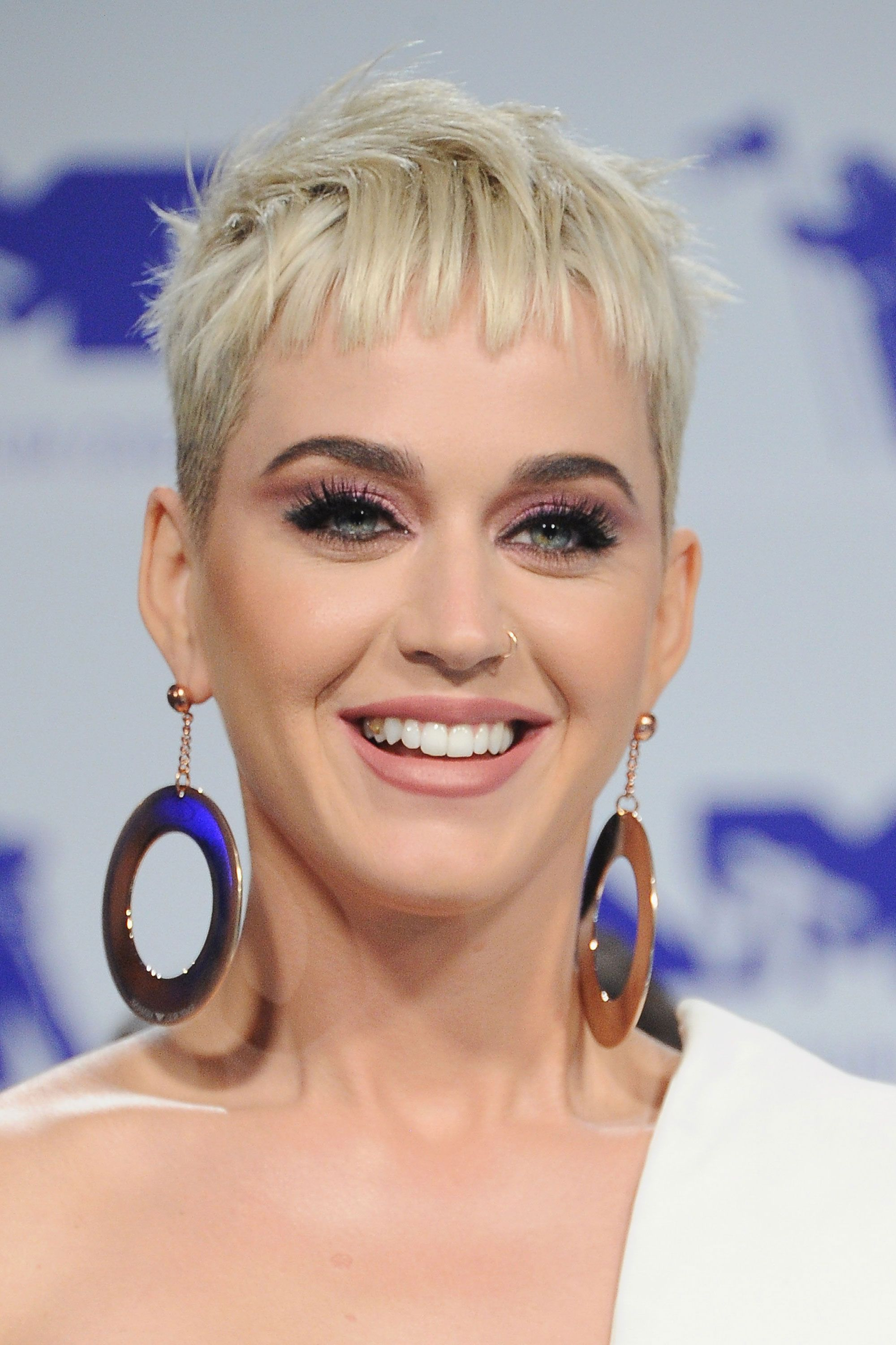 30 Short Hairstyles For Thick Hair 2017 – Women's Haircuts For Short Throughout Gray Pixie Hairstyles For Thick Hair (View 7 of 20)