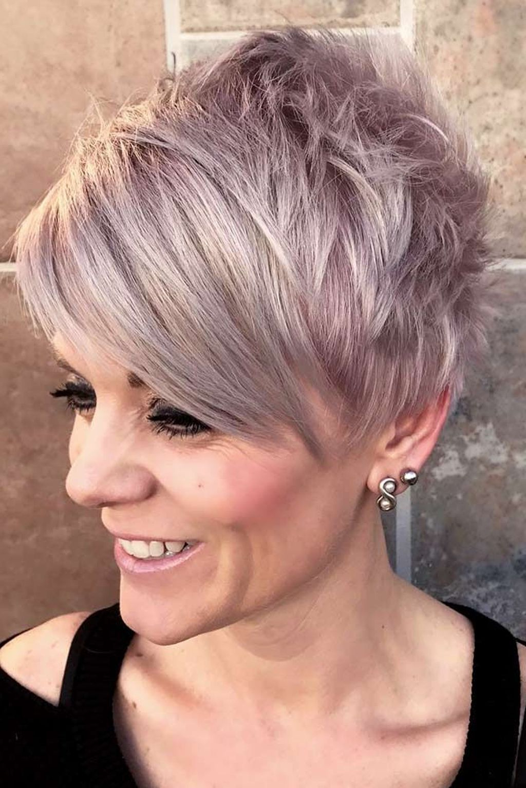 Featured Photo of Youthful Pixie Haircuts