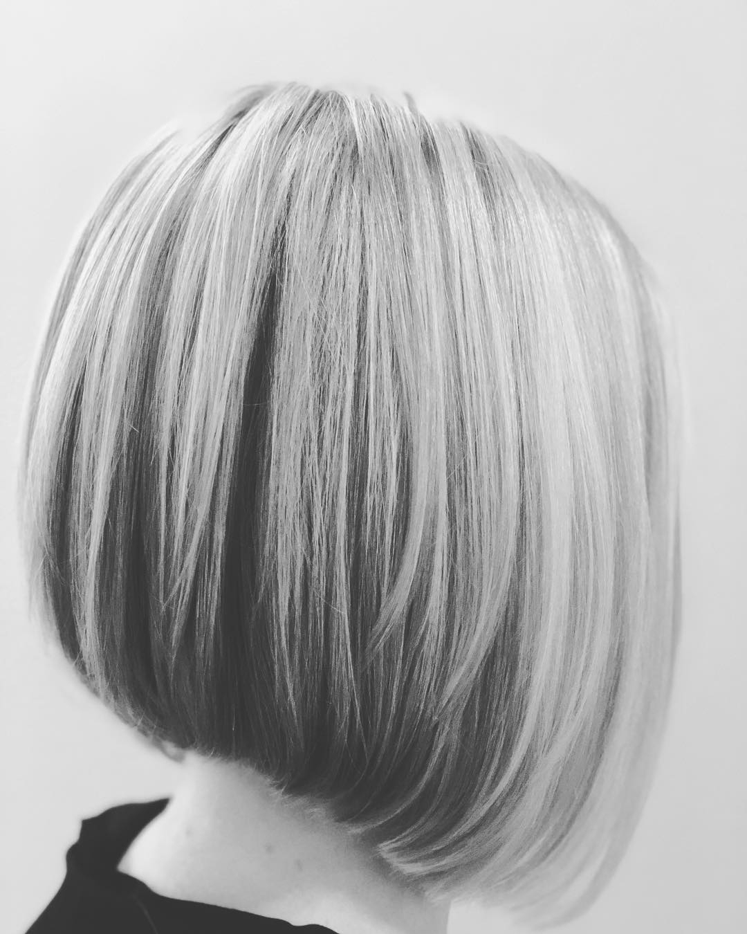 Bob Hairstyles For 2018 – 19 Short Haircut Trends To Try Now – Lookvine In Layered Platinum Bob Hairstyles (View 12 of 20)