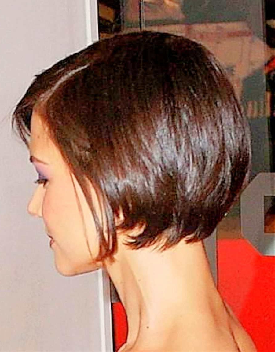 Katie Holmes Short Hair Back – Google Search … | My Style In 2018 Within Feathered Back Swept Crop Hairstyles (View 14 of 20)