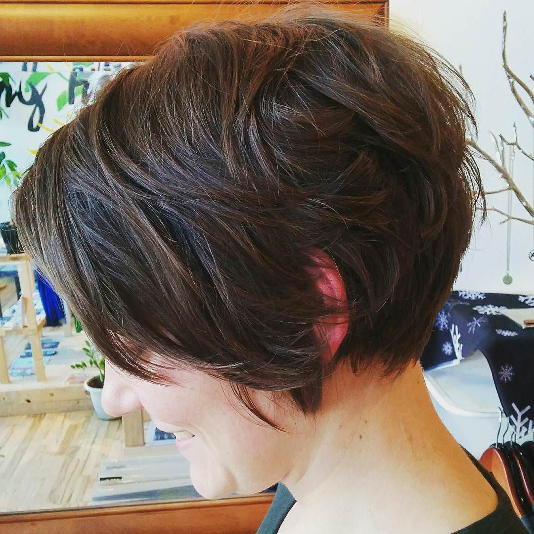 Featured Photo of Messy Pixie Bob Hairstyles