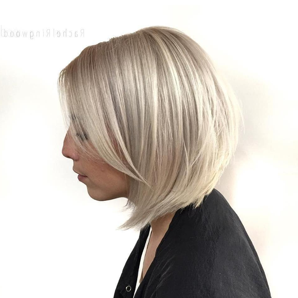 Timeless Graduated Bob Haircuts 2018 | Hairdrome For Brown And Blonde Graduated Bob Hairstyles (View 6 of 20)