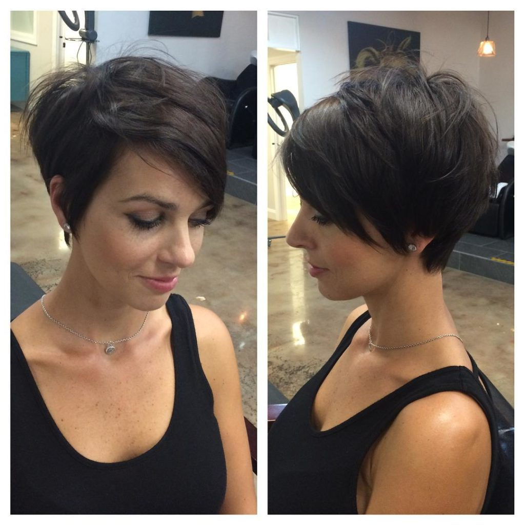 Women's Chic Messy Brunette Pixie Bob Within Messy Pixie Bob Hairstyles (View 4 of 20)