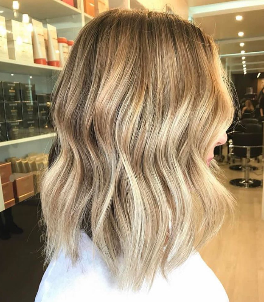 10 Everyday Medium Hairstyles For Thick Hair 2019: Easy Trendy For Latest Medium Haircuts For Thick Hair (View 14 of 20)