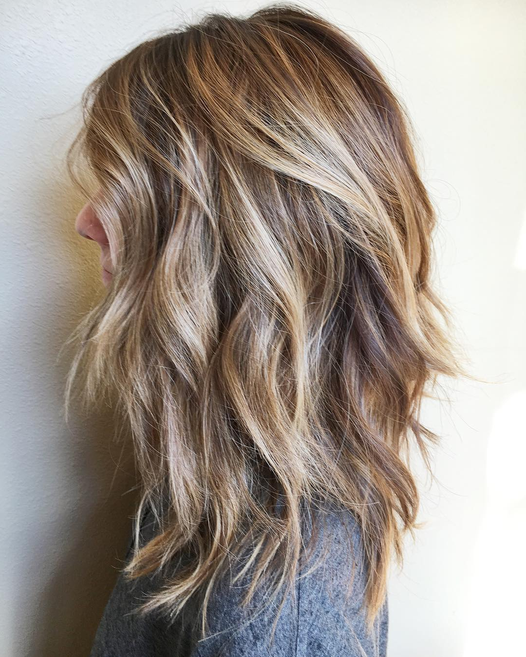 10 Messy Medium Hairstyles For Thick Hair 2019 In Most Recent Layered Shaggy Medium Hairstyles (View 1 of 20)