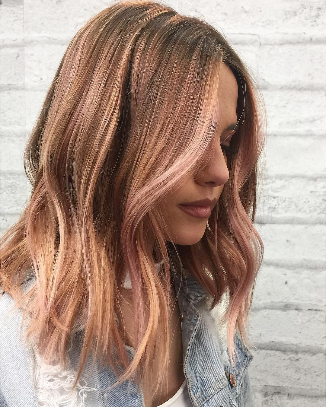 10 Wavy Shoulder Length Hairstyles 2019 Inside Popular Pink Medium Hairstyles (View 4 of 20)