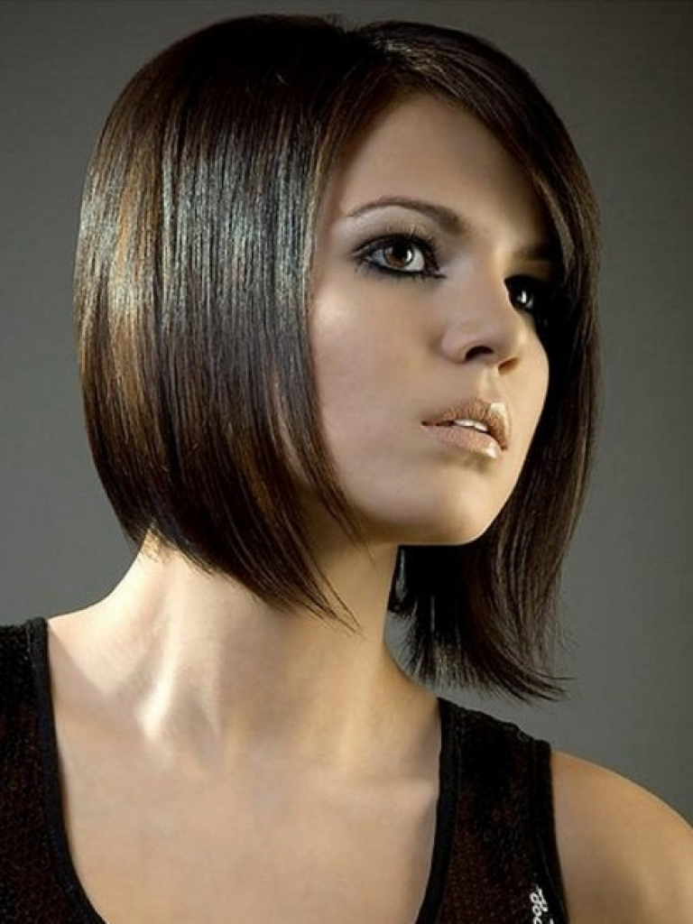 12 Best Medium Haircuts For Round Faces You Should Try Throughout Fashionable Medium Hairstyles Cut Around The Ears (View 1 of 20)
