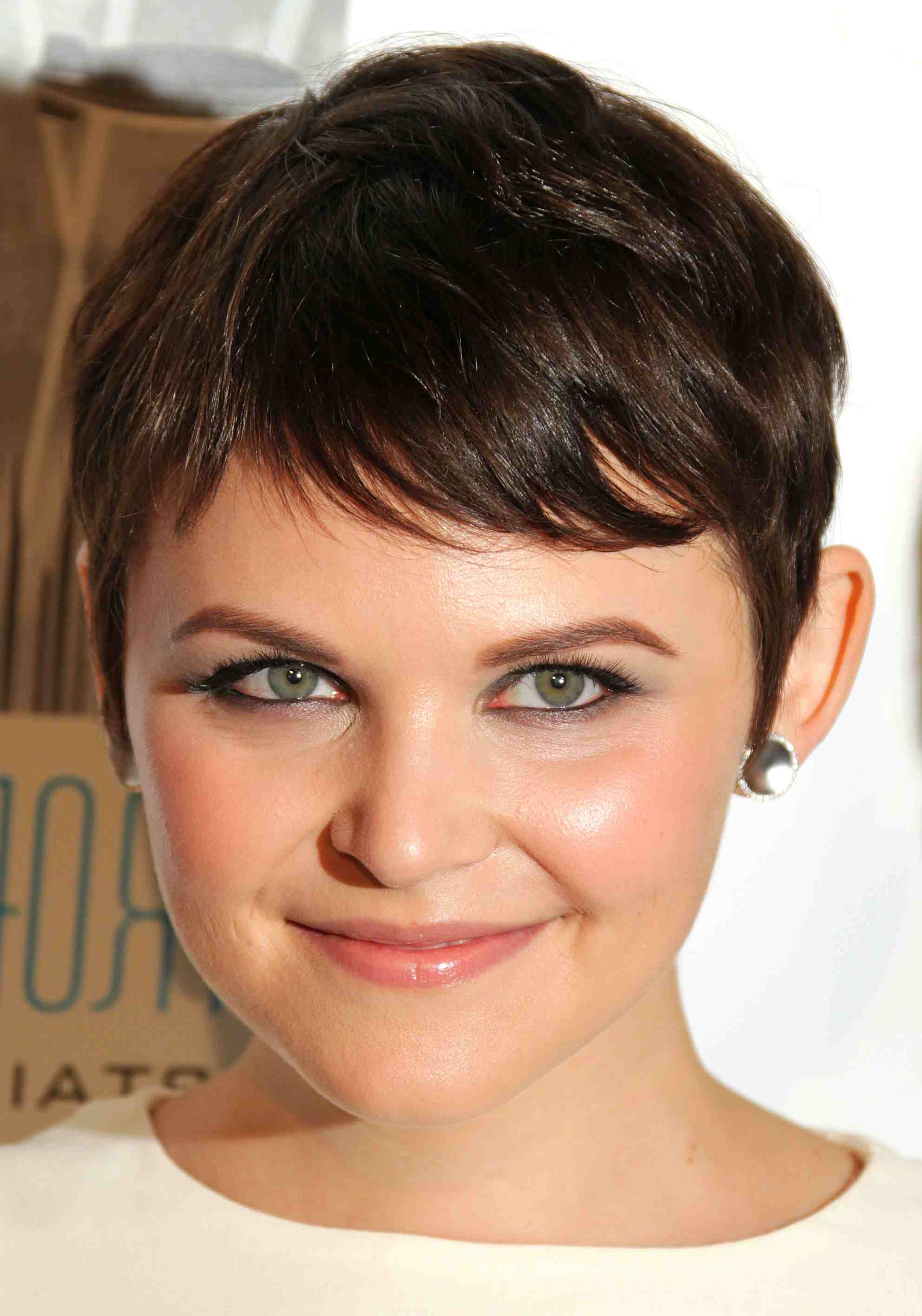 15 Flattering Hairstyles For Heart Shaped Faces Inside Current Cute Medium Haircuts For Heart Shaped Faces (View 8 of 20)