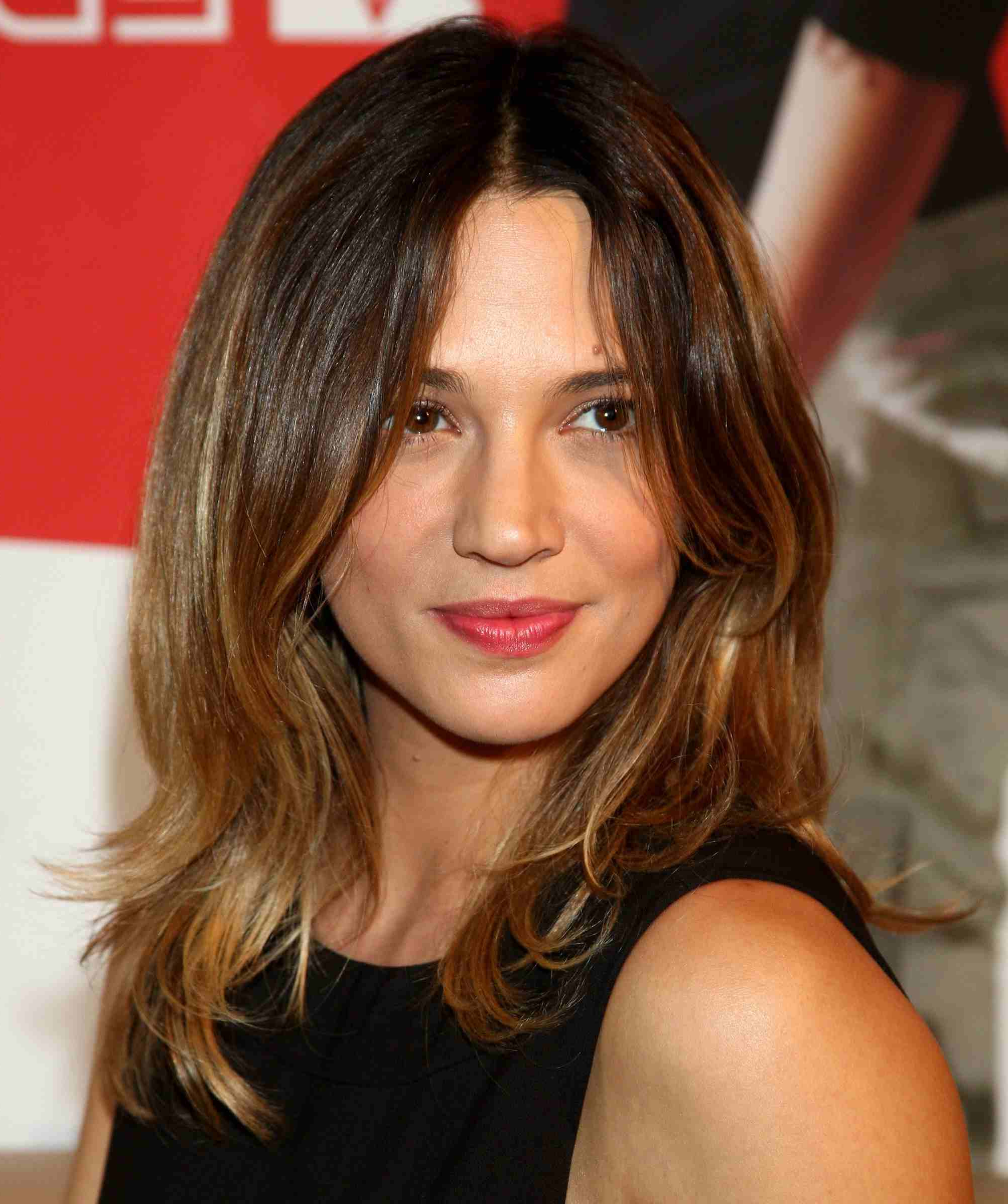 16 Flattering Haircuts For Long Face Shapes Within Well Known Medium Haircuts For Large Foreheads (View 12 of 20)