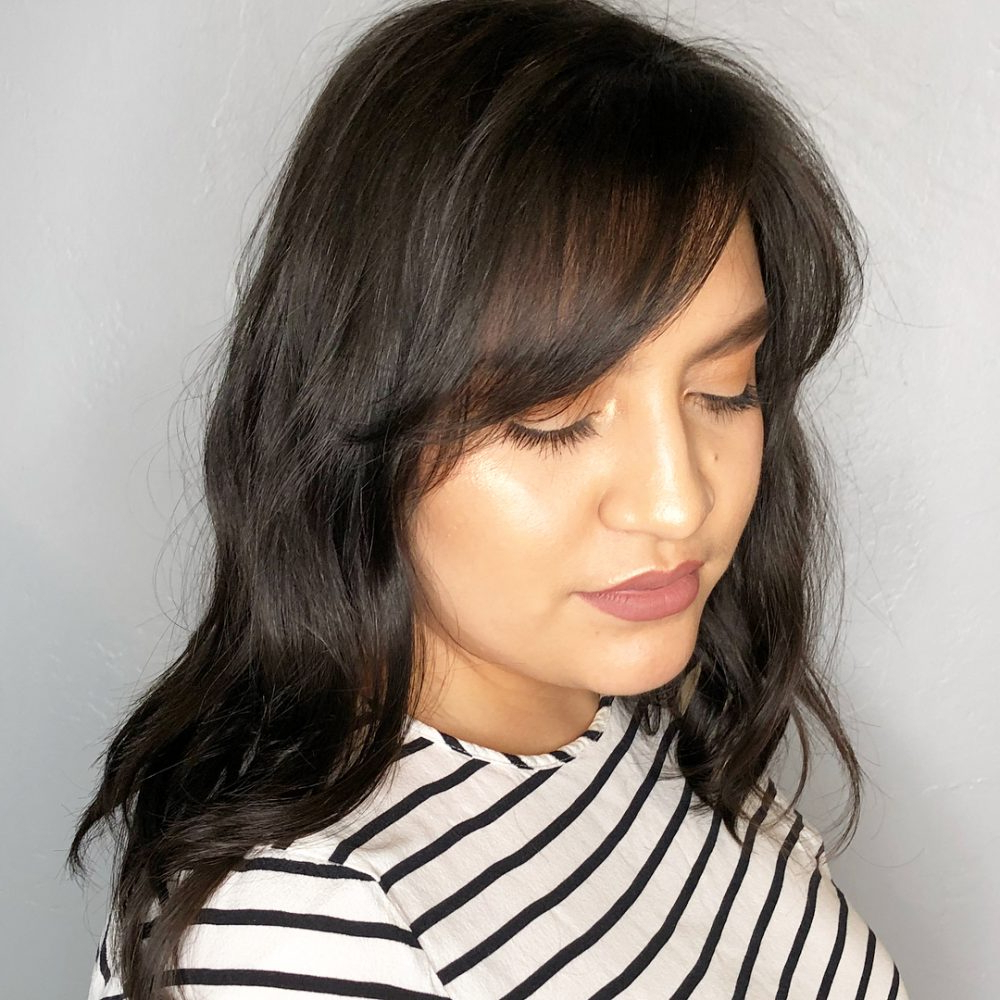 17 Flattering Medium Hairstyles For Round Faces In 2019 Intended For Latest Medium Hairstyles For Round Face (View 1 of 20)
