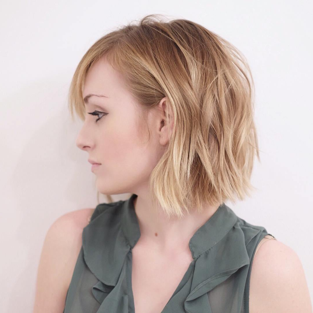 Featured Photo of Medium Haircuts Bobs Crops