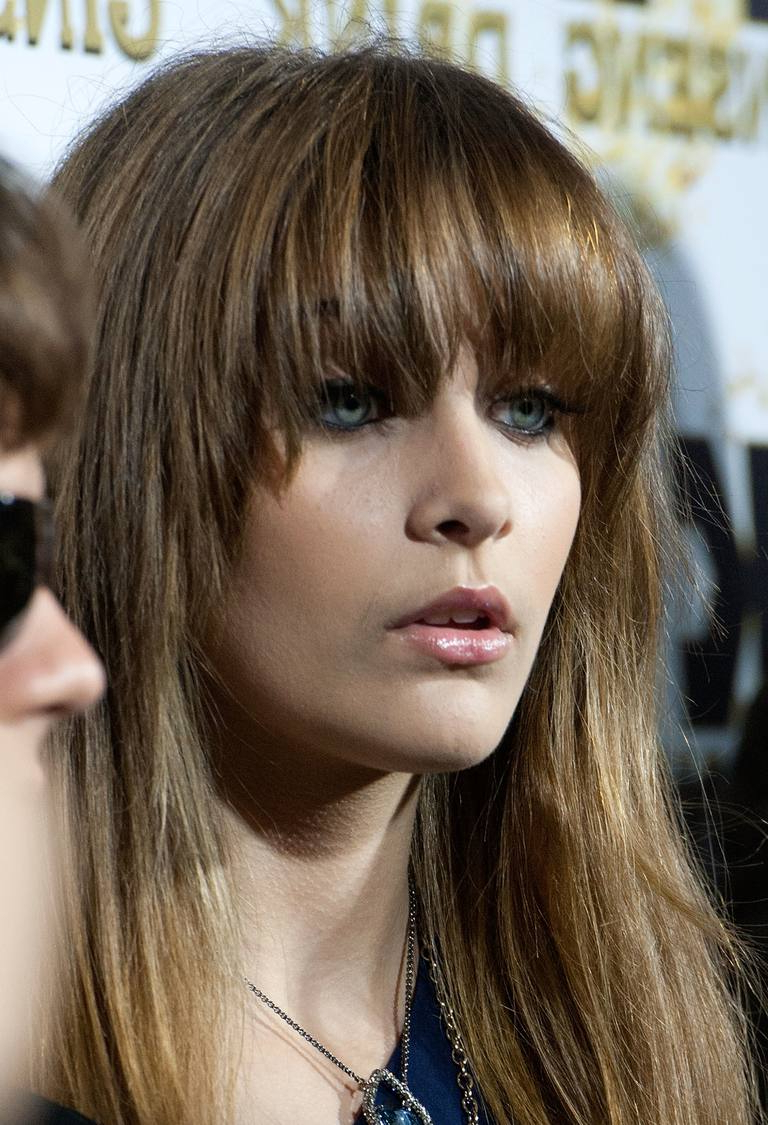 20 Photos Of Blunt Bang Hairstyles – Paris Jackson With Well Liked Medium Hairstyles With Blunt Bangs (View 5 of 20)