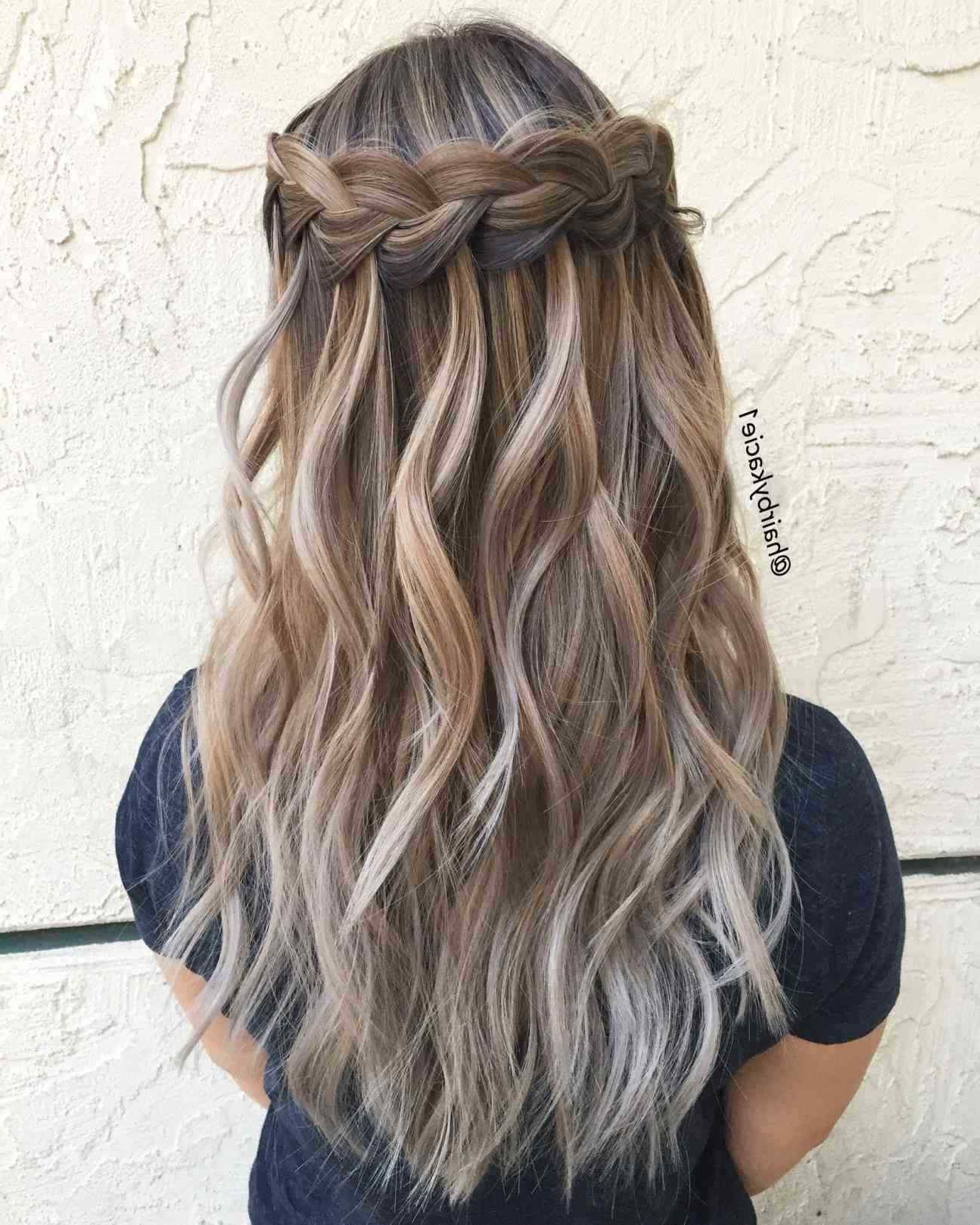 2017 Homecoming Medium Hairstyles With Homecoming Hairstyles For Medium Length Half Up Curls Best Of (View 2 of 20)