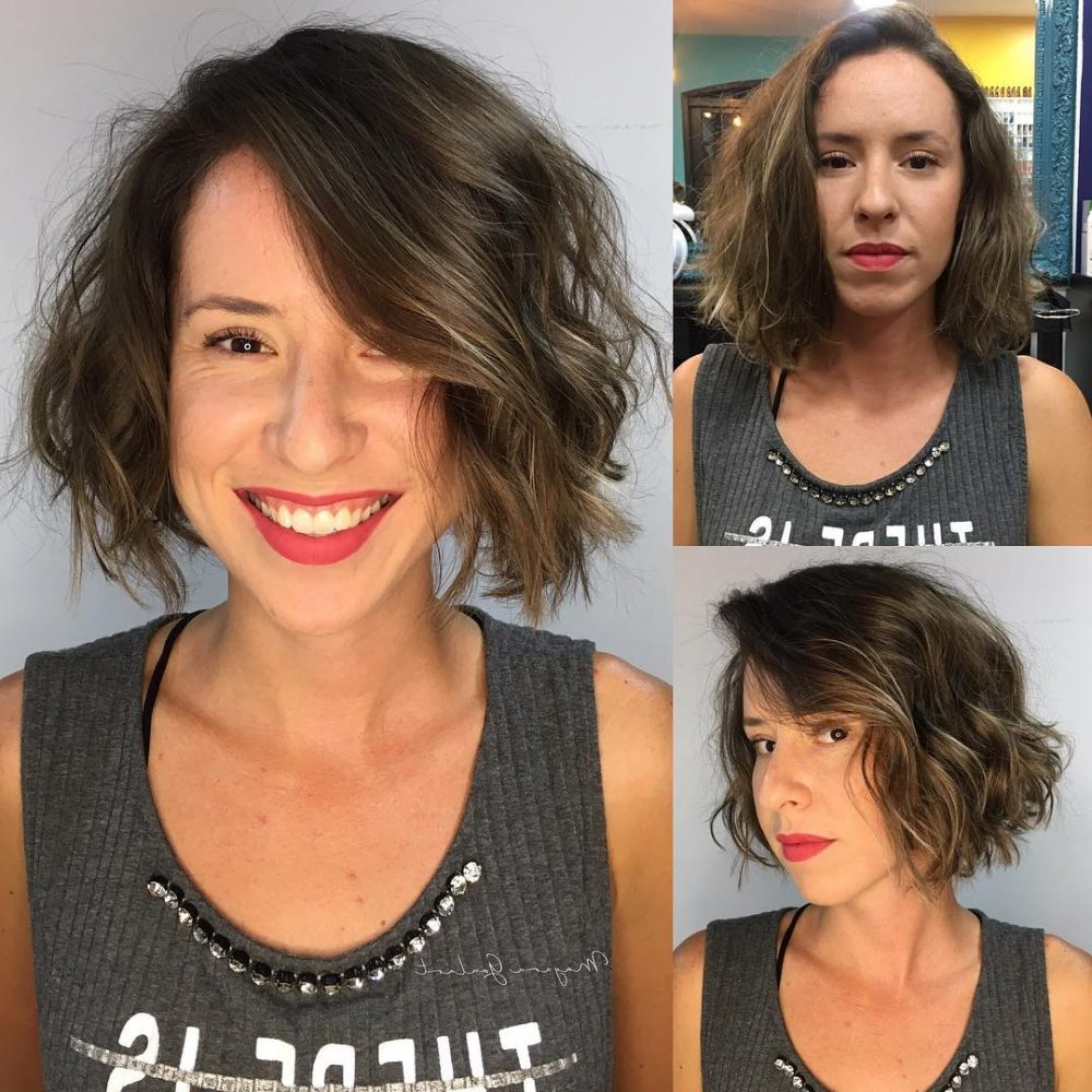2017 Medium Haircuts For Large Foreheads Inside 17 Most Flattering Hairstyles For Long Faces In (View 15 of 20)