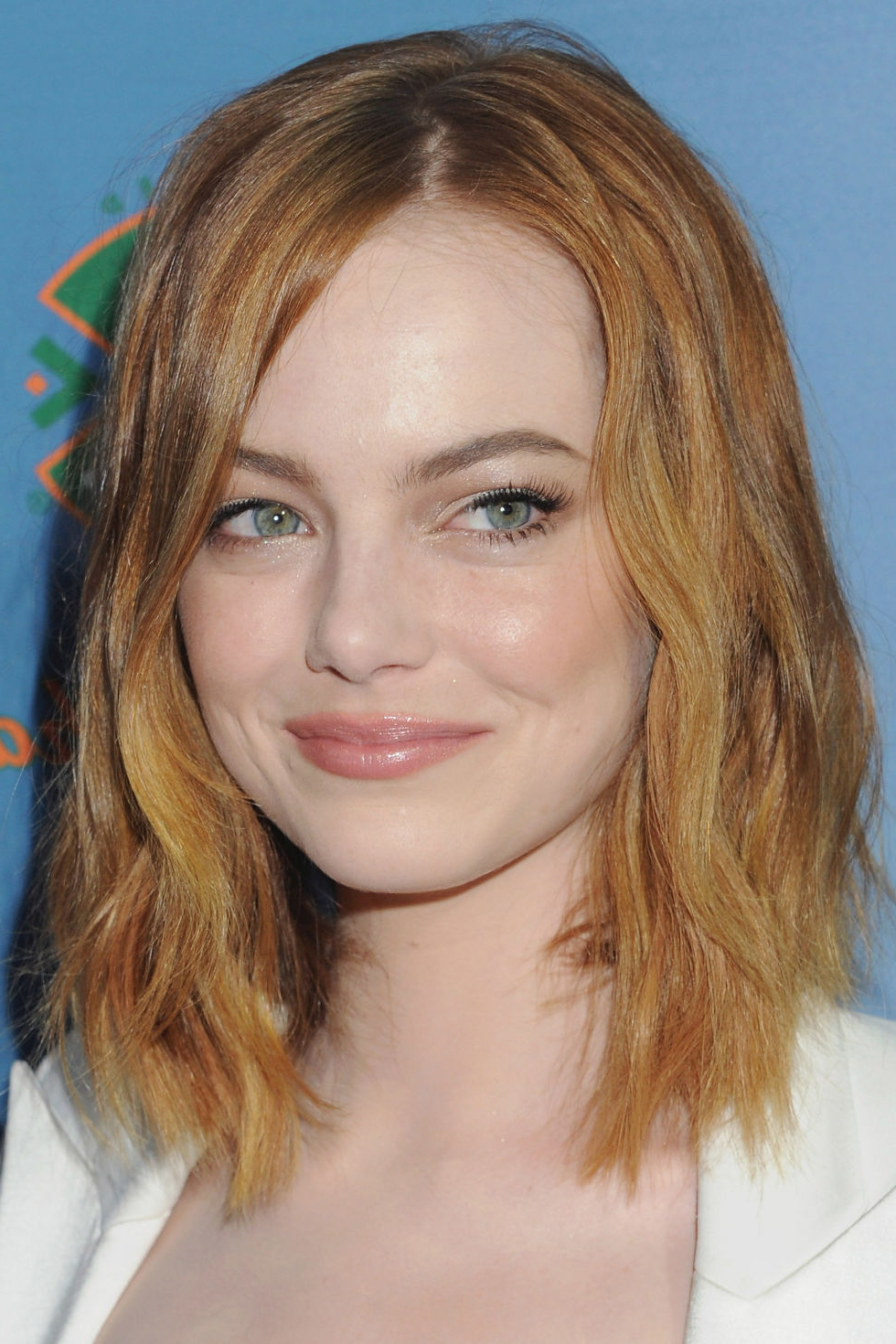 2017 Medium Haircuts For Oval Faces And Thick Hair With Regard To Hair Cuts : Short Haircuts For Women With Wavy Hair Very Hairstyles (View 13 of 20)