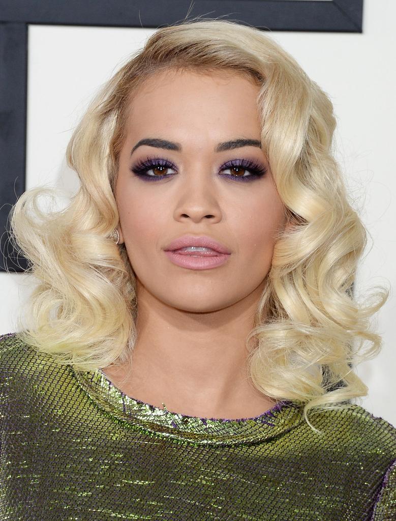 2017 Rita Ora Medium Hairstyles Inside Rita Ora Medium Curls – Rita Ora Shoulder Length Hairstyles Looks (View 5 of 20)