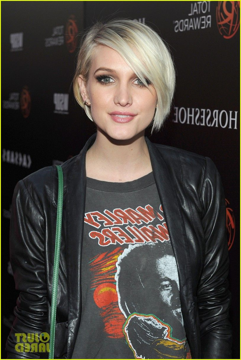 2018 Ashlee Simpson Medium Hairstyles Inside Ashlee Simpson's Hair Looks Precious Like This (View 1 of 20)