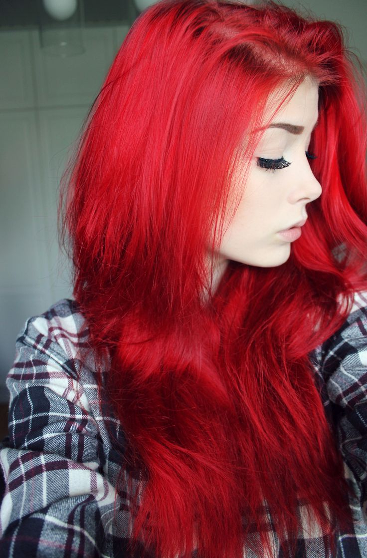 2018 Bright Red Medium Hairstyles With 40 Bold & Beautiful Bright Red Hair Color Shades & Hairstyles (View 6 of 20)