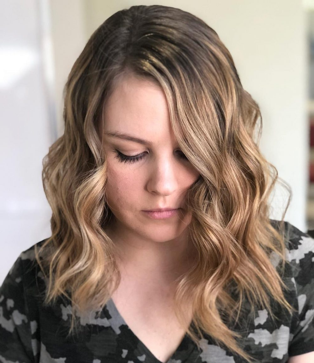 2018 Cropped Medium Hairstyles With 40 Gorgeous And Easy Medium To Shoulder Length Bob Haircuts (View 1 of 20)