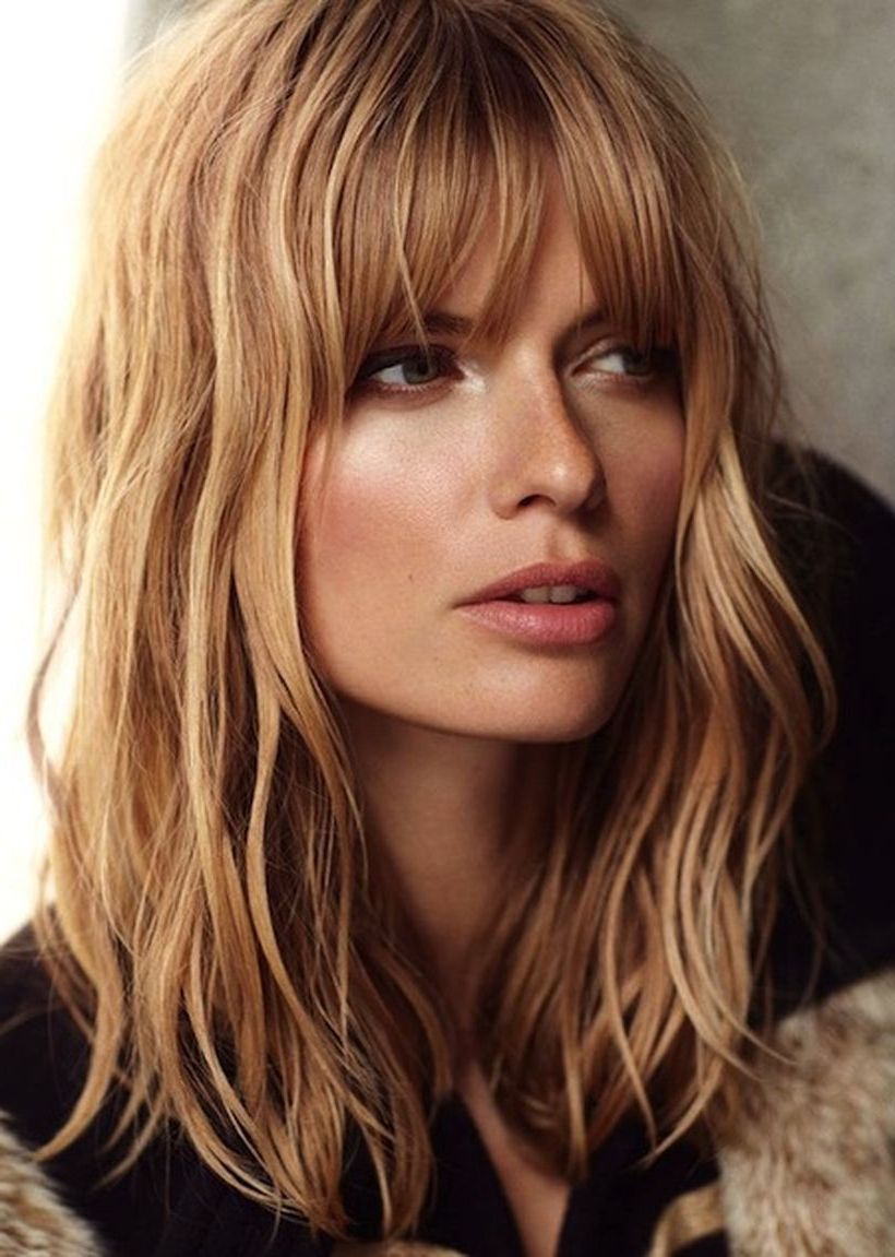 2018 Full Fringe Medium Hairstyles Regarding 50 Awesome Full Fringe Hairstyle Ideas For Medium Hair (View 2 of 20)