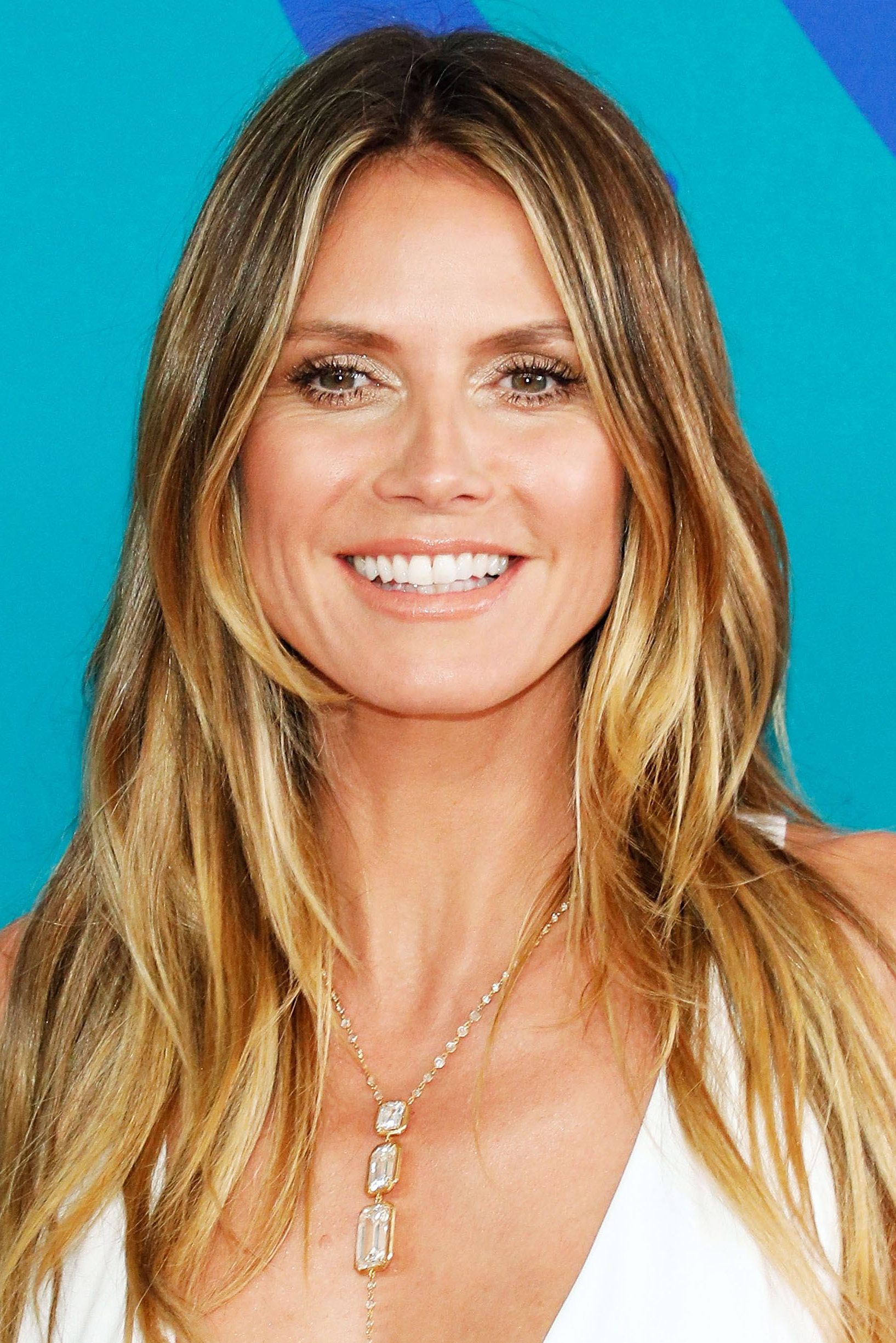 2018 Heidi Klum Medium Haircuts With 18 Celebrity Balayage Hair Colors – Best Balayage Highlights For (View 18 of 20)