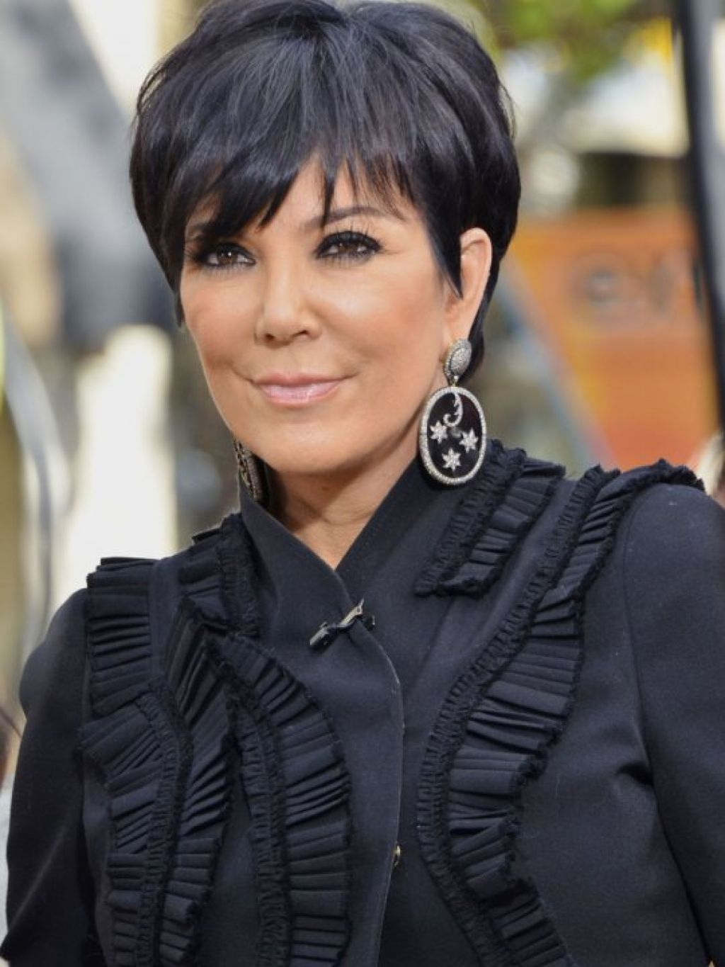 2018 Kris Jenner Medium Hairstyles With Regard To Hairstyles Kris Jenner Simple Short Hair Style , This Style Is Using (Gallery 3 of 20)