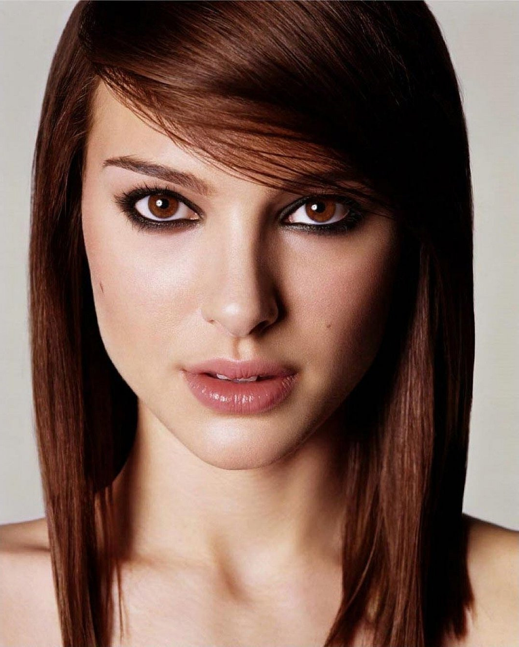 2018 Layered Medium Haircuts With Side Bangs Inside Layered Haircuts For Long Straight Hair With Side Bangs Unique (View 2 of 20)
