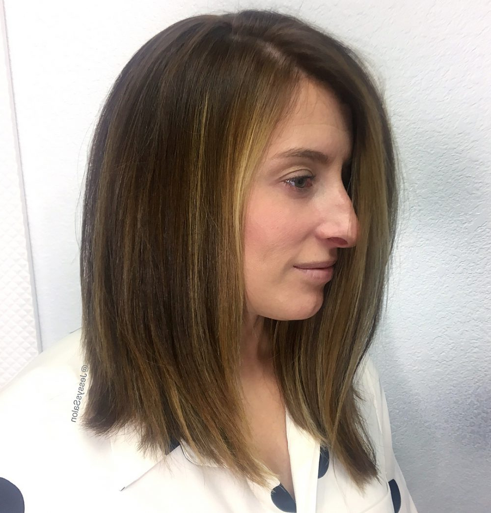 24 Medium Hairstyles For Oval Faces In 2019 Within Best And Newest Elongated Layered Haircuts For Straight Hair (View 2 of 20)