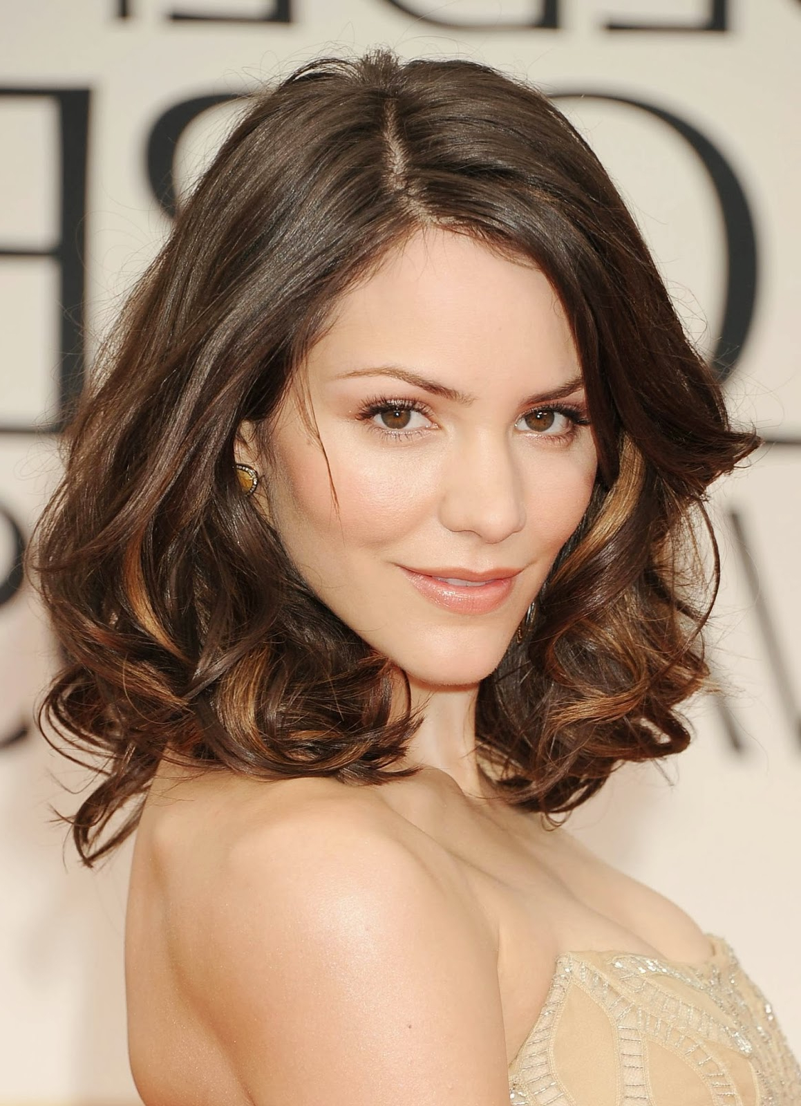 25 Beautiful Medium Length Haircuts For Round Faces » Wassup Mate Intended For Current Medium Hairstyles For Round Faces Curly Hair (Gallery 9 of 20)